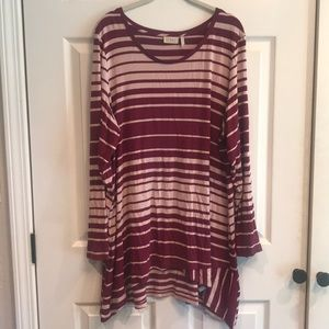 LoGo brand size 1X pullover tunic top